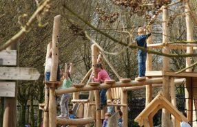 Kids in de speeltuin 1