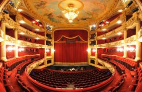 Opera Royal. 01